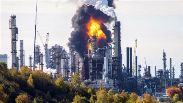 انفجار ضخم بأكبر مصفاة للنفط في كندا