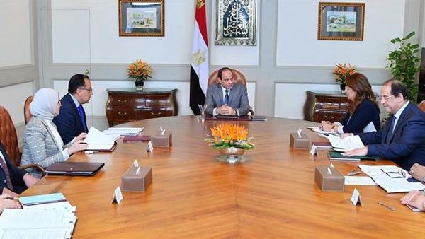 الرئيس السيسى يبحث مع مدبولي إطلاق المشروع القومي للتأمين الصحي الشامل