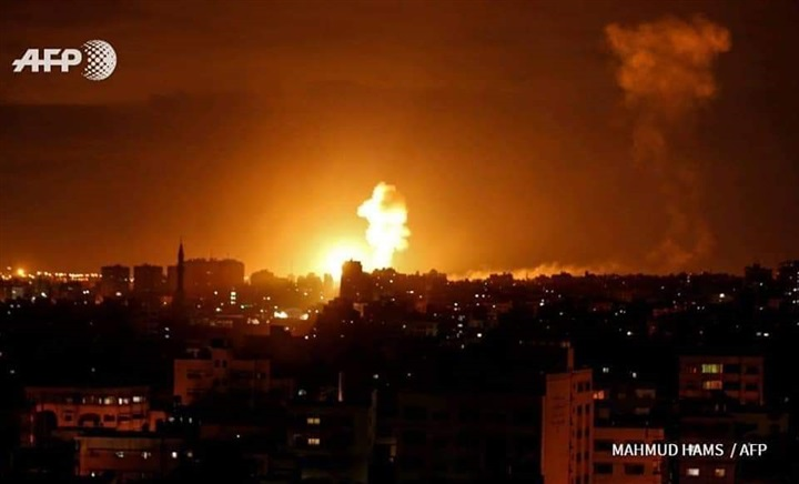 الطيران الإسرائيلي يقصف عدة مواقع شمال قطاع غزة