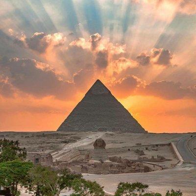 وصول أكثر من 4 آلاف سائح مطار القاهرة لزيارة معالم مصر الأثرية