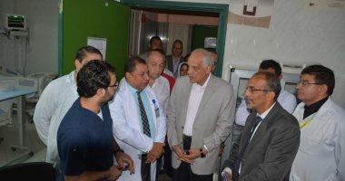 محافظ الجيزة يزور مصابى حادث المنيا الإرهابى بمستشفى الشيخ زايد