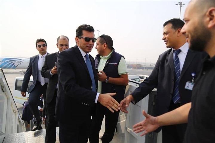 وزير الرياضة يغادر إلى تونس لدعم الأهلي أمام الترجي