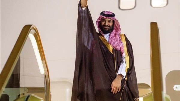 ولي عهد السعودية يبعث ببرقية شكر لملك البحرين قبل التوجه إلى القاهرة