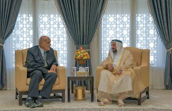 حاكم الشارقة يبحث مع الدكتور مجدي يعقوب دعم مركز أسوان للقلب