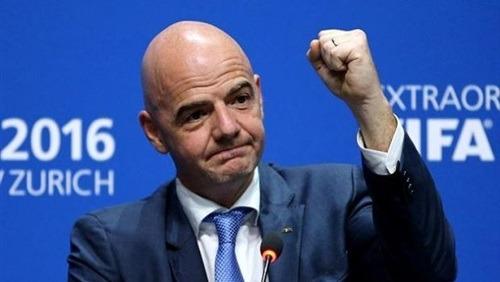 رئيس «فيفا»: ليس من السهل على قطر استضافة كأس العالم وحدها