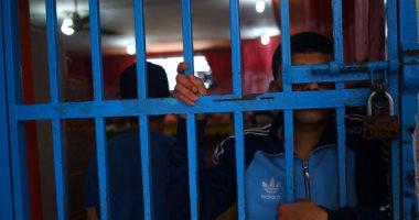 النيابة تأمر بحبس تشكيل عصابى من 5 أفراد تخصص فى سرقة رواد البنوك بالإسكندرية