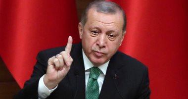 صحيفة تركية: النائب العام التركى يأمر بحبس مدرسين يلعبون كرة قدم