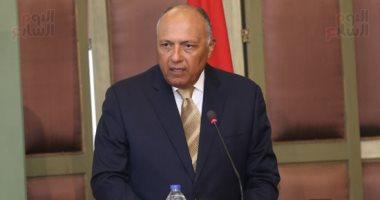 سامح شكرى يبحث مع وزير خارجية المجر مكافحة الإرهاب والهجرة غير الشرعية