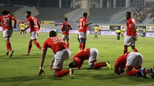 الأهلي يفوز على الداخلية 1/3 ويواصل مطاردة الزمالك على القمة في الدوري