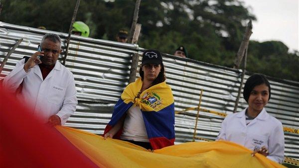أطباء فنزويلا ينظمون وقفة احتجاجية بسبب الأوضاع في بلادهم.. صور