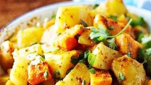 البطاطس بالثوم والكركم على طريقة الشيف رحاب