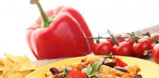 مكرونة بالطماطم والفاصوليا الحمراء