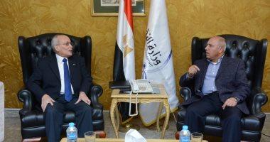 وزيرا النقل  ووزير الدولة للإنتاج الحربي يتابعان مشروعات تطوير السكة الحديد