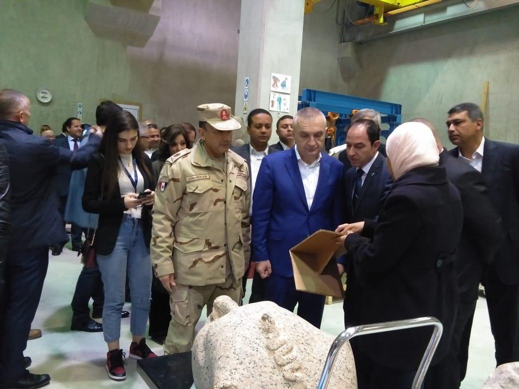 رئيس ألبانيا يزور المتحف المصري الكبير