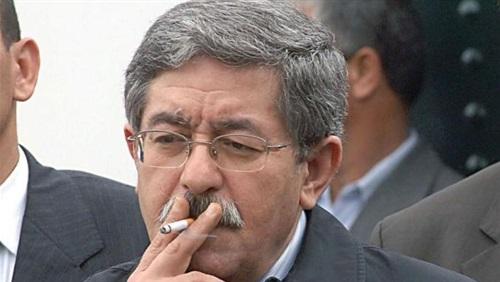 موقع مغربي: القبض على رئيس الوزراء الجزائري السابق قبل هروبه
