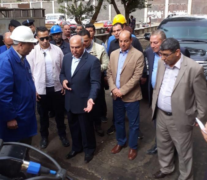 وزير النقل يتفقد محطة مصر وورش صيانة الجرارات