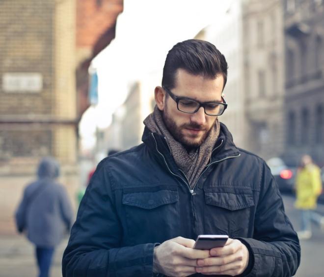 قد يكون سبب اكتئابك الدائم.. كيف يؤثر استخدام الهاتف المفرط في الصحة العقلية؟