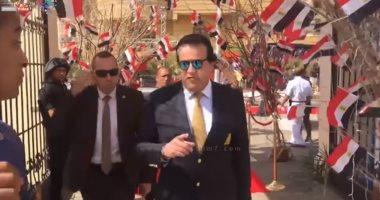 وزير التعليم العالى يدلى بصوته فى الاستفتاء على التعديلات