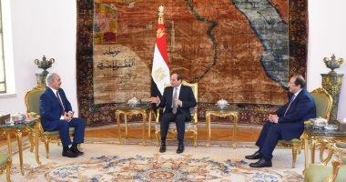 """السيسى يؤكد لـ""""حفتر"""" دعم مصر لجهود مكافحة الإرهاب لتحقيق أمن واستقرار ليبيا"""