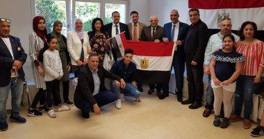 بالصور.. الجالية المصرية بالنمسا تواصل المشاركة فى استفتاء التعديلات الدستورية