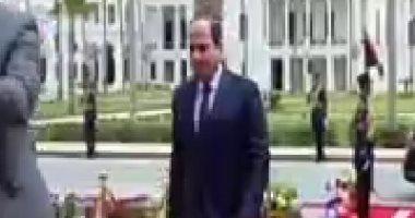 السيسى يصل مقر الاحتفال بعيد العمال فى قصر رأس التين بالإسكندرية