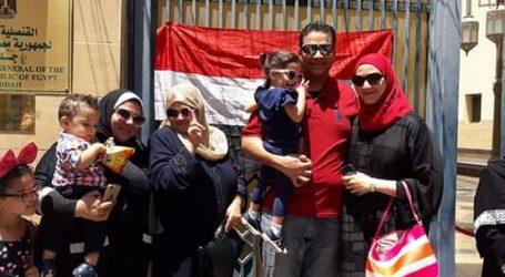 احتشاد المواطنين على لجان الاستفتاء .. لليوم الثالث