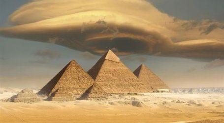"""""""ديلي إكسبريس"""" تكشف لغز نقل الأحجار الضخمة لبناء الأهرامات"""