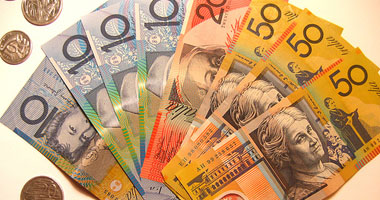 الدولار الاسترالي يقفز بعد بيانات صينية