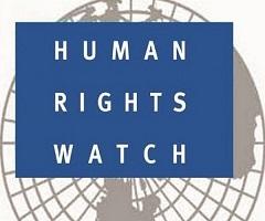 """""""هيومن رايتس"""" تدين طرد إسرئيل لموظف المنظمة: تغطي على انتهاكاتها لحقوق الإنسان"""