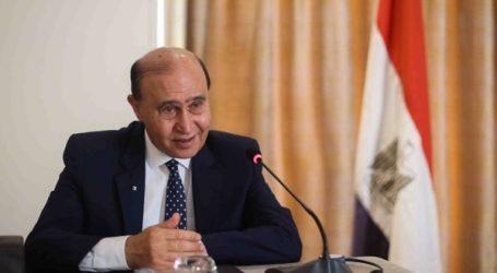 مهاب مميش: الرئيس السيسي يتابع كل كبيرة وصغيرة بتطوير الموانئ وقناة السويس