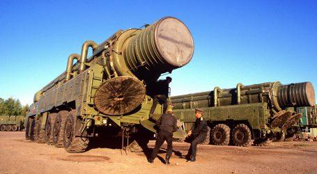 """الناتو يدعو روسيا إلى اغتنام """"آخر فرصة"""""""