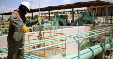"""الشريحة الأخيرة.. """"البترول"""" فى مهمة إنقاذ إيرادات الموازنة.. تحويل جزء كبير من دعم الطاقة للمعاشات والتعليم والصحة والحماية الاجتماعية.. خطة لتصنيع الوقود محليا.. تعاقدات طويلة الأجل للحماية من تخبط أسعار النفط"""
