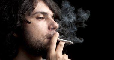 دراسة: التدخين يسبب ضعف قدرة الدماغ على مقاومة ألزهايمر