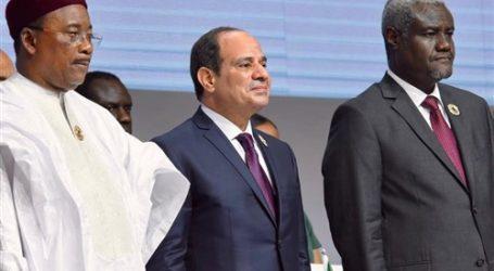 السيسي يصل القاهرة عقب ترؤس القمة الاستثنائية للاتحاد الأفريقي بالنيجر