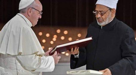 بابا الفاتيكان: نأمل أن نبني مع مؤمني الديانات الأخرى عالم أخوة وسلام