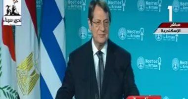 رئيس قبرص يصل القاهرة للمشاركة فى القمة الثلاثية مع مصر واليونان