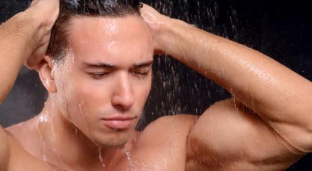 الاستحمام يومياً.. فوائد أم أضرار؟
