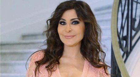 """إليسا للبنانيين: """"اليوم كمان عبّو الساحات لأنو عاملين حالن مش سامعين"""""""