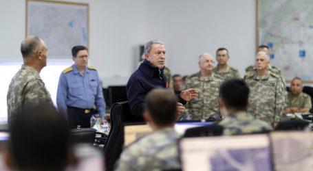 وزير الدفاع التركي ينفي بيان البنتاغون حول قصف مواقع قوات أمريكية بسوريا