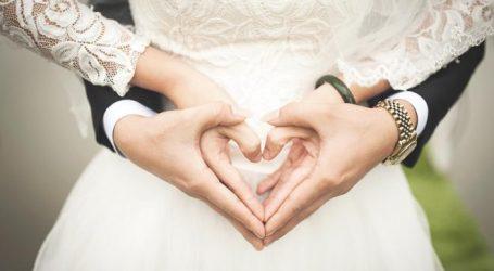 هل نار الصراعات تشتعل بينك وشريك الحياة؟.. حلول عملية لمواجهة المشاكل الزوجية