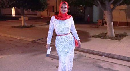 سما المصرى تفاجئ الجمهور وتظهر بالحجاب على السجادة الحمراء فى افتتاح مهرجان القاهرة السينمائي
