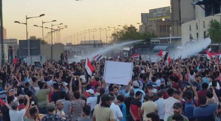 إصابة 48 متظاهرا و25 شرطيا بالعراق