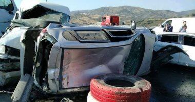 توقف المرور وإصابة 4 أشخاص فى حادث تصادم سيارتين بطريق إسكندرية الصحراوى