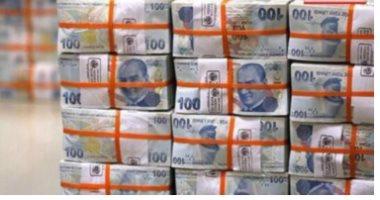رويترز: هبوط جديد لليرة التركية أمام الدولار وتحتل المركز الثانى كأضعف العملات