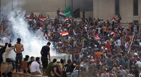"""تصل للمؤبد.. رئيس وزراء العراق يتوعد """"المخربين"""" بين المتظاهرين بعقوبات صارمة"""