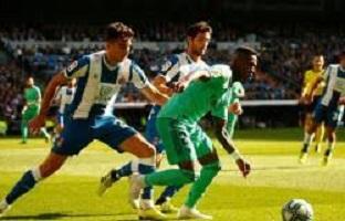 ريال مدريد ينفرد بصدارة الدوري الإسبانى مؤقتا بثنائية ضد إسبانيول