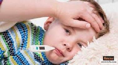 دليلك للتعامل مع طفلك إذا أصيب بالحمي