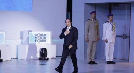 """منتدى شباب العالم.. السيسي يتفقد منصة """"المصري للفكر والدراسات الاستراتيجية"""""""