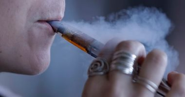 بأمر رئاسى.. أمريكا تحظر بيع السجائر دون سن الـ 21 عاما