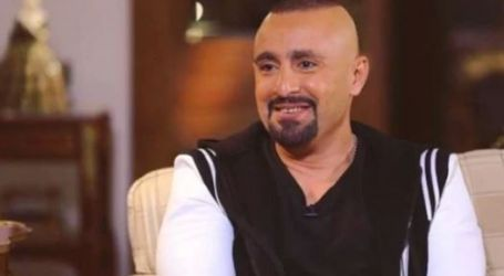 وقع من طوله.. أحمد السقا يقتحم منزل متابع على إنستجرام فجرا سب أمه وزوجته.. فيديو